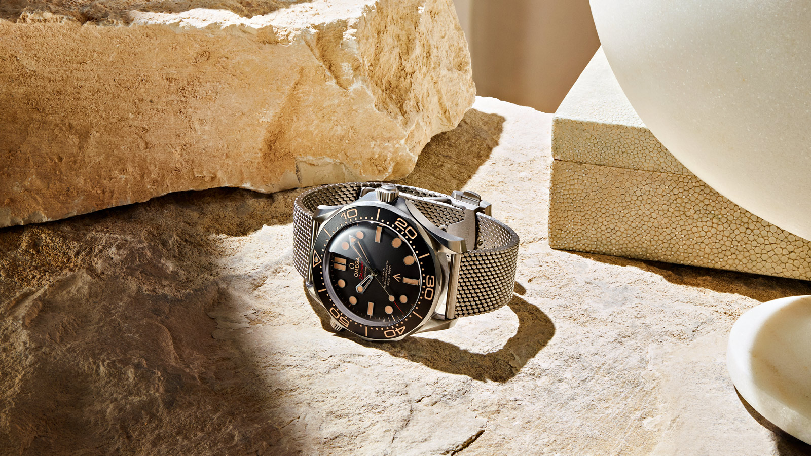 Seamaster Diver 300 M Diver 300M Omega Co‑Axial Master Chronometer 42 mm - 210.90.42.20.01.001 - View 2