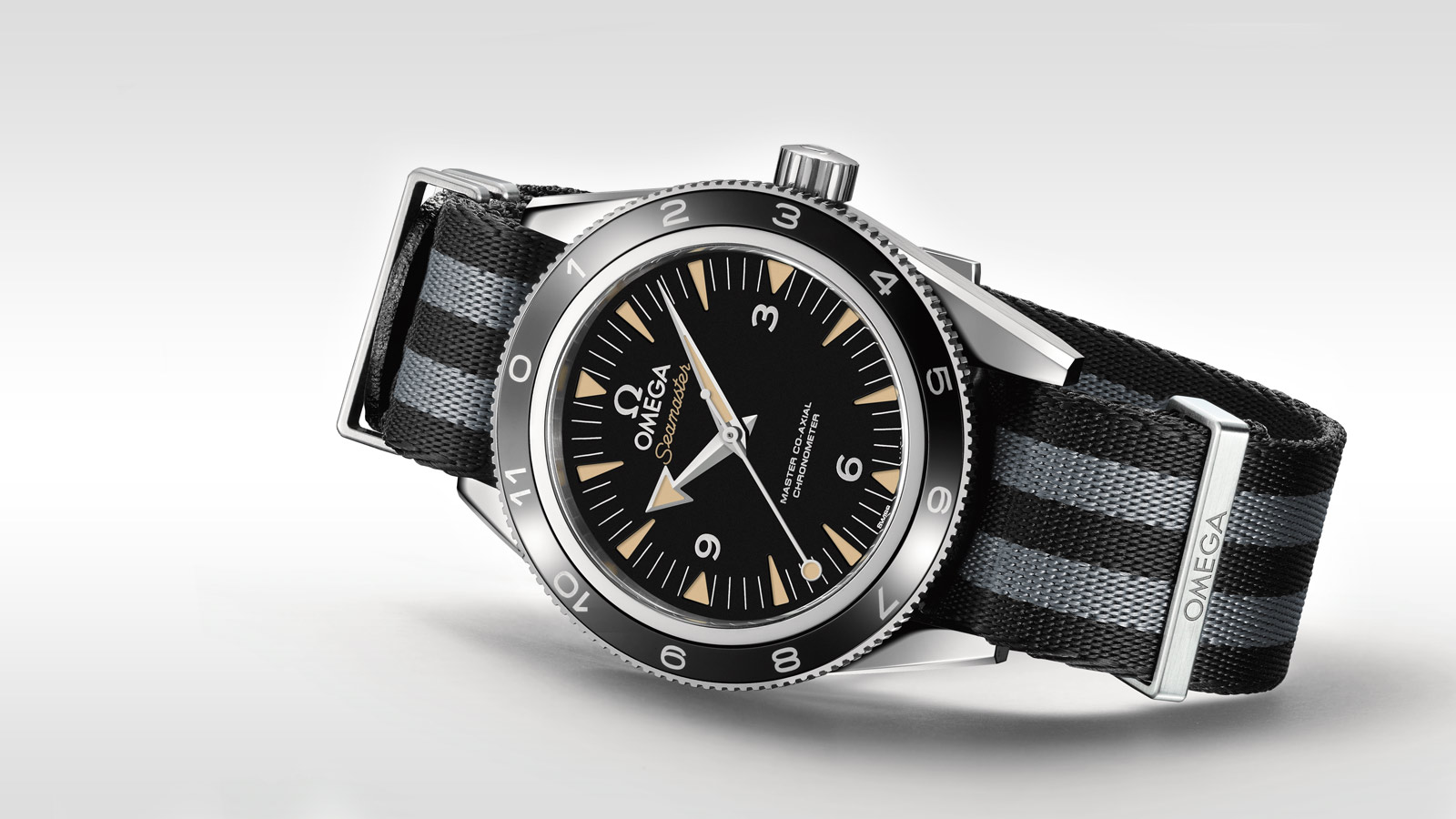 Seamaster Seamaster 300 Seamaster 300 Omega Master Co‑Axial 41 mm - 233.32.41.21.01.001 - View 5