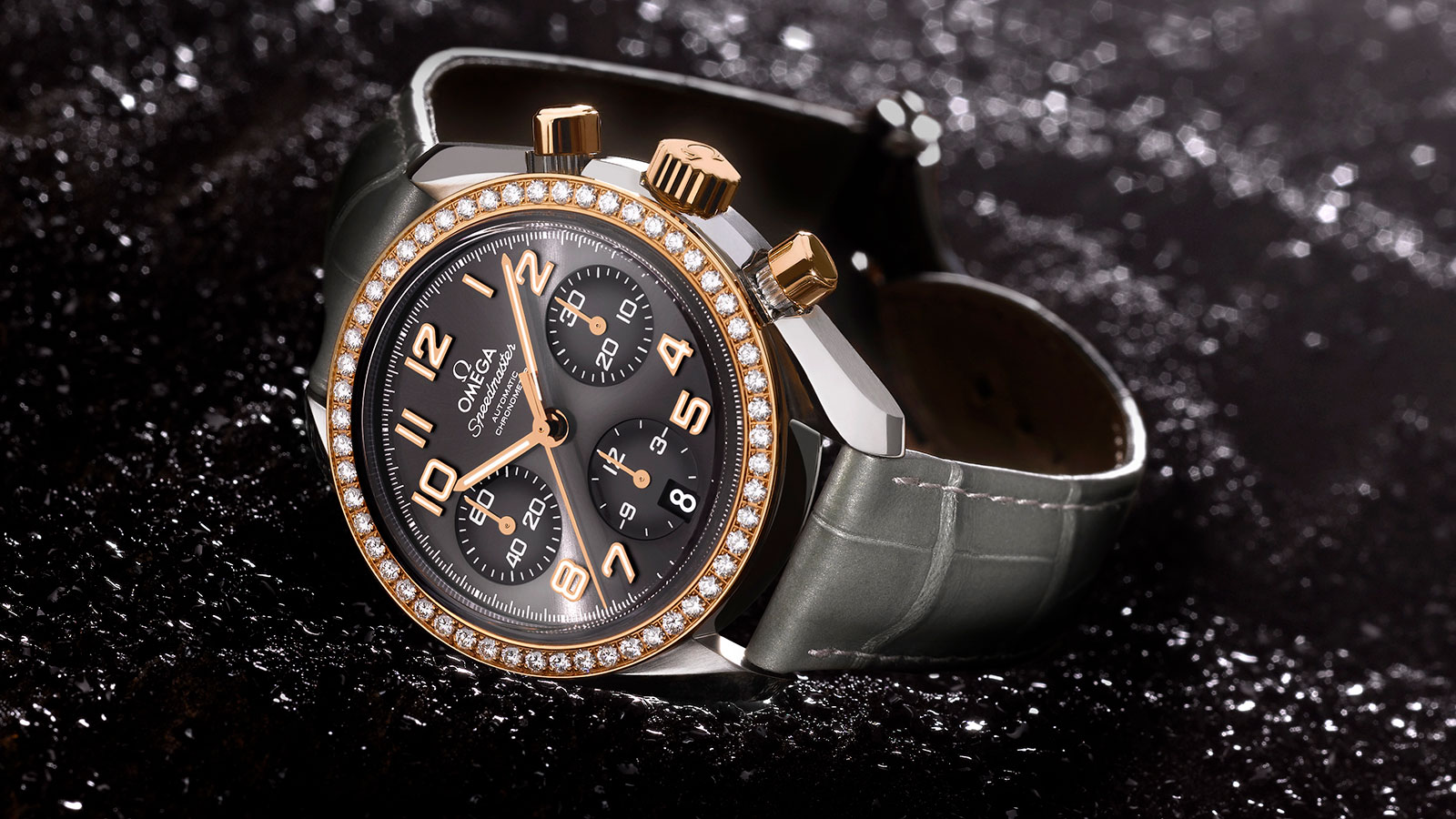 Speedmaster Ladies' Chronograph Speedmaster Chronograph 38 mm Orologio - 324.28.38.40.06.001