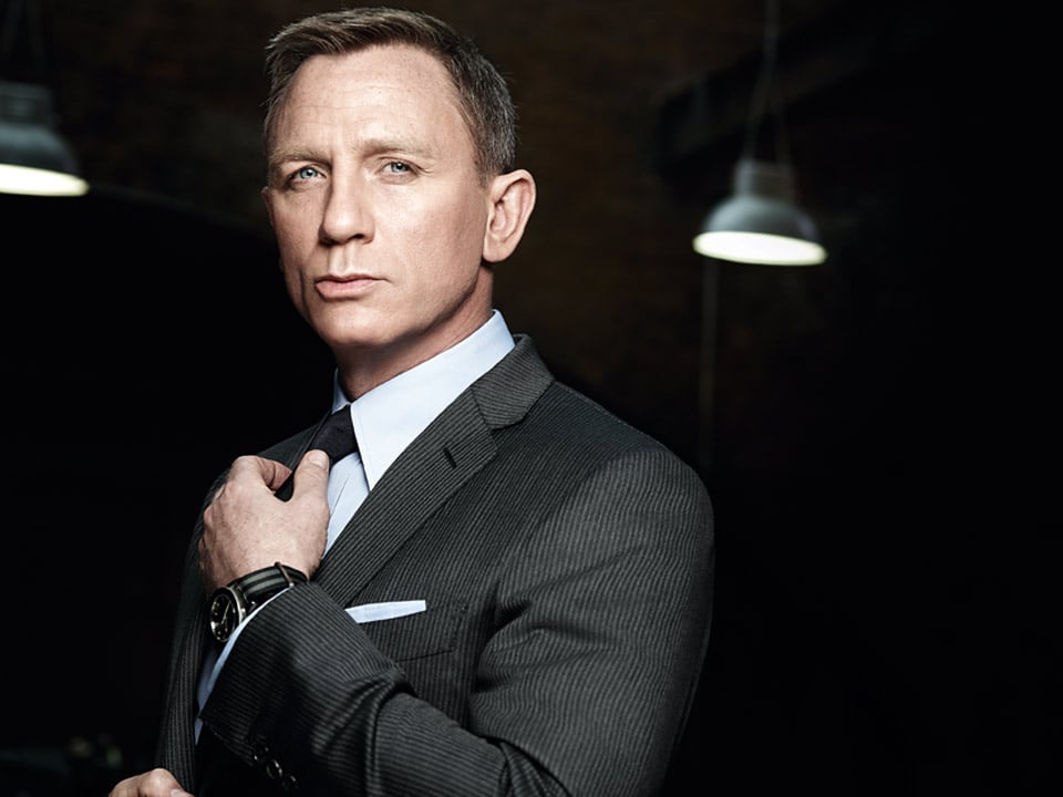 Daniel Craig showing his Omega Seamaster 300 Co-Axial 41 mm