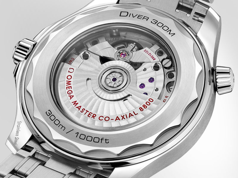 Transparent caseback of the Seamaster Diver 300m chronometer watch