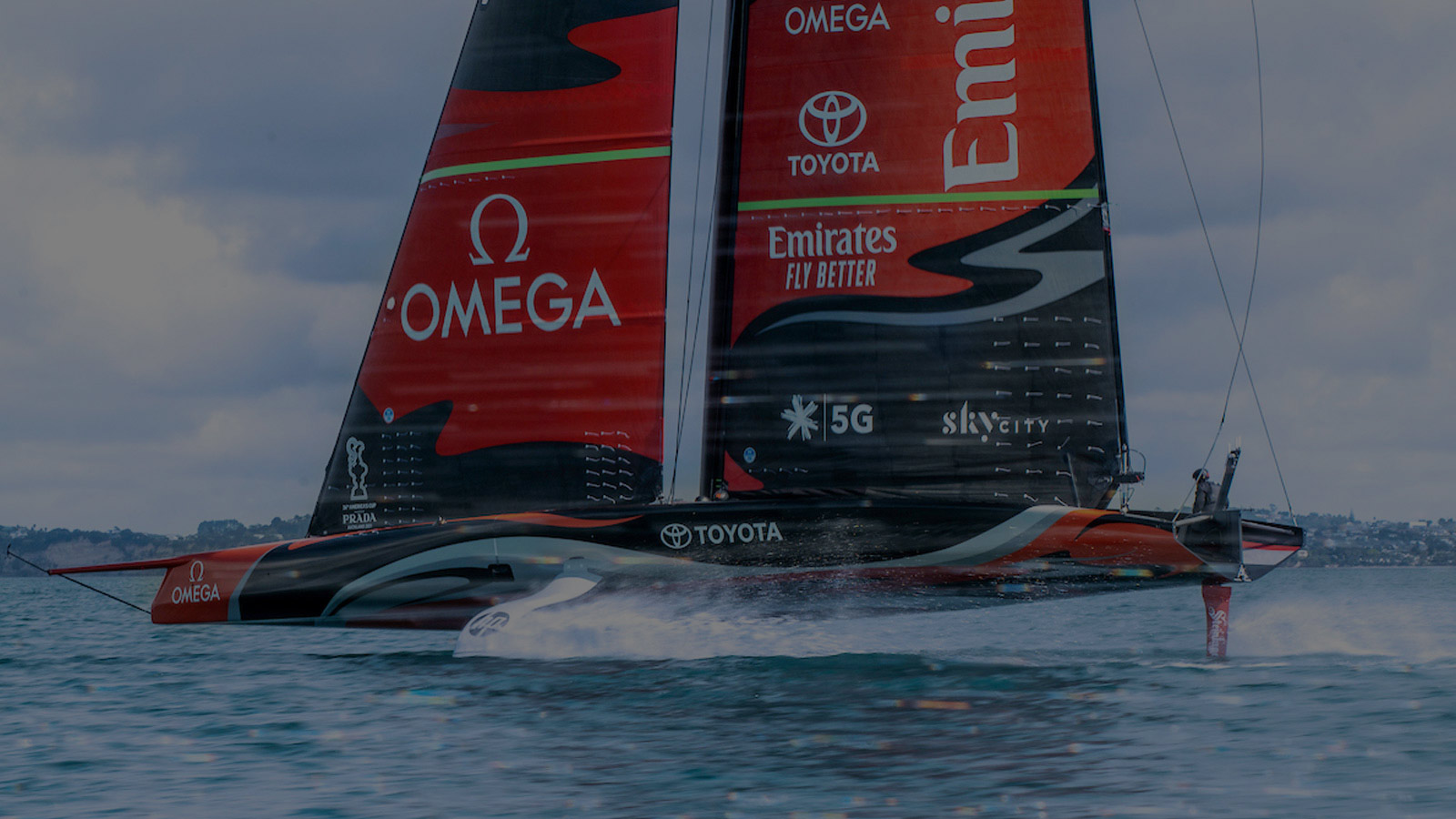 Seamaster Planet Ocean 600M America's Cup - 215.32.43.21.04.001 - Video - 89518