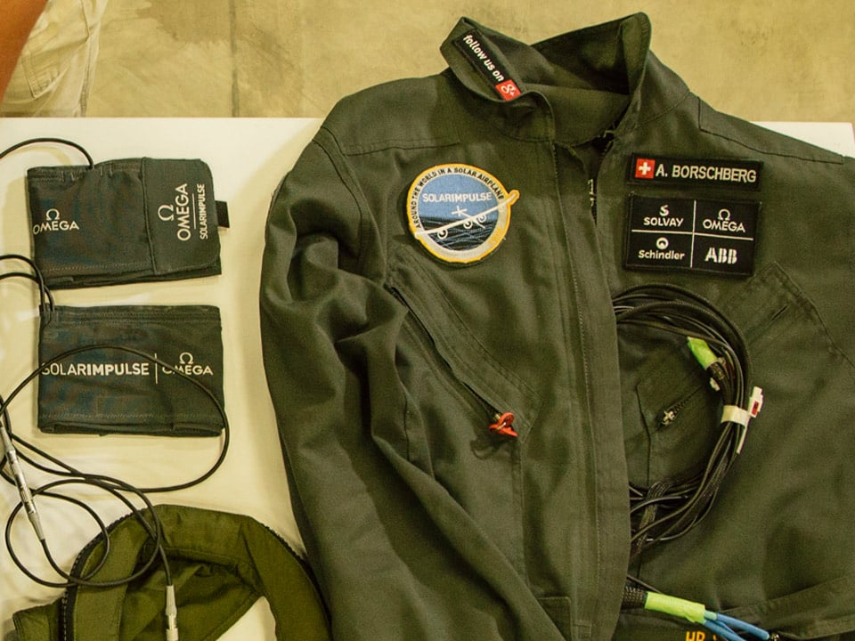 Equipped light suit for Solar Impulse