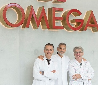 George Clooney visits the OMEGA factory
