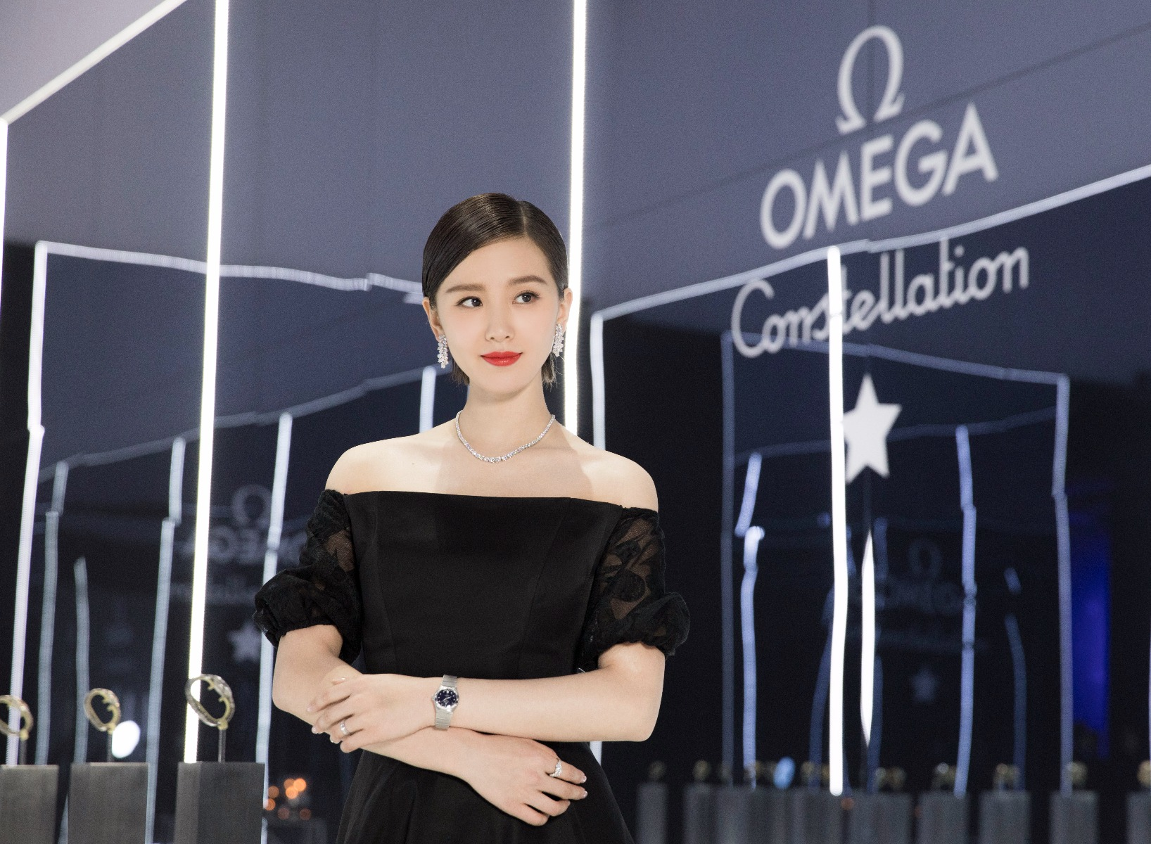 Liu Shishi posing in the Ullens Center for Contemporary Art in Beijing and wearing a 27 mm Limited Edition of the Constellation Collection.